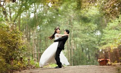 Brautpaar wünscht sich Rubbellose zur Hochzeit und gewinnt zwei Millionen Euro