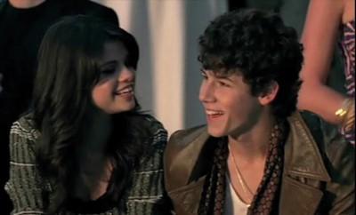 Selena-Gomez-so-steht-sie-zu-ihrem-Ex-Nick-Jonas
