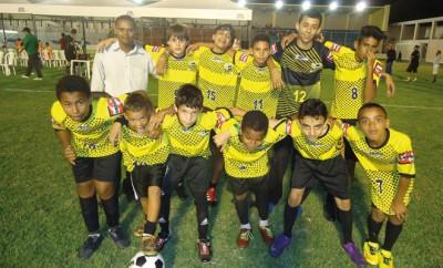 Ex-Drogenabhängiger gründet Fußballschule in Brasilien.