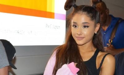 Ariana Grande und Justin Bieber kommen sich in einem Video-Clip sehr nah.
