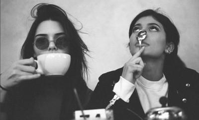 Kendall Jenner und ihre Schwester Kylie waren schon 2010 Fans von Taylor Swift.