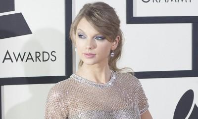 Taylor Swift Doppelgängerin kämpft gegen Mobbing.
