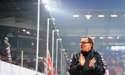 Ewald Lienen vor dem Spiel des FC St.Pauli gegen FSV Frankfurt.