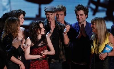 Twilight-Kollege Kellan Lutz unterstützt Exfreund von Kristen Stewart bei seiner Musik.
