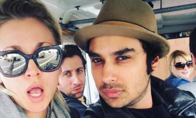 Big Bang Theory: Kaley Cuoco, Johnny Galecki und Co. trinken gerne Alkohol und essen Fastfood.