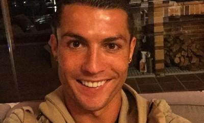 Cristiano Ronaldo kann nach seiner Verletzung schon wieder lachen und bedankt sich bei den Fans.
