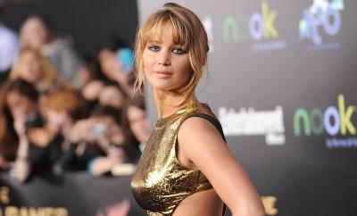 Jennifer Lawrence trägt bereits seit einigen Jahren gerne den Metallic-Look.