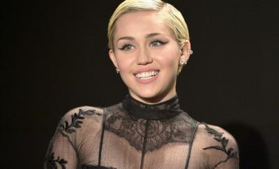 Miley Cyrus auf der Modenschau von Tom Ford.