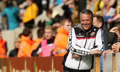 Dynamo Dresden Trainer Uwe Neuhaus hat angesichts der erfolgreichen Saison gut Lachen.