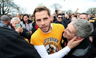 Justin Eilers fällt der Abschied von Dynamo Dresden sichtlich schwer.