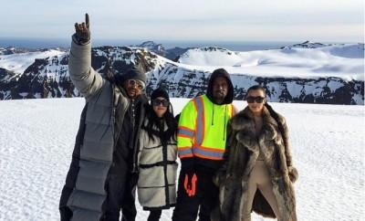 Kourtney Kardashian, Kanye West und Kim Kardashian hatten eine Notlandung.