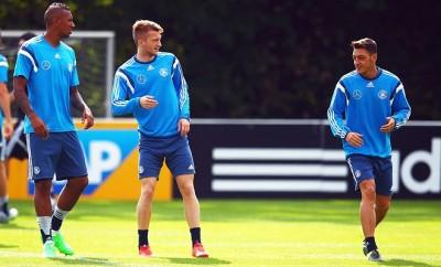 Marco Reus soll nicht für Mesut Özil vom BVB zu Arsenal wechseln.