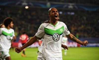 Schnappt Schalke 04 dem VfL Wolfsburg nach Naldo den nächsten Spieler weg?