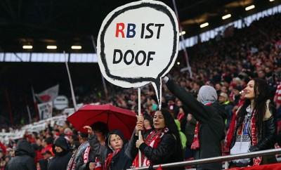 RB Leipzig arbeitet an der eigenen Identität, so dass Bilder wie diese wahrscheinlich bald der Vergangenheit angehören.