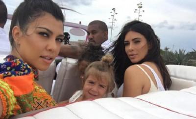 Kim Kardashian und Kourtney Kardashian sind sich oft nicht einig was die Erziehung ihrer Kinder angeht.