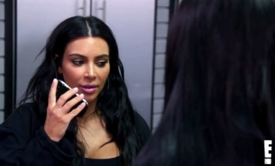 Kim Kardashian verteidigt Kylie Jenner und Kris Jenner gegen Rob Kardashian.