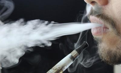 Die E-Zigarette hat insbesondere bei Rauchern mit einer Vielzahl an Vorurteilen zu kämpfen. Zu unrecht wie eine Vielzahl an Studien beweisen.