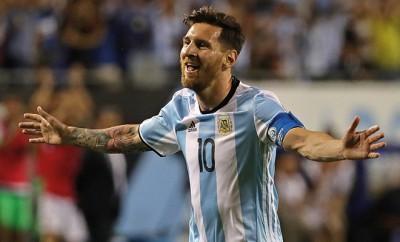 Lionel Messi sorgt mit seinem Äußeren für Spekulationen und erntet in Argentinien erneut heftige Kritik von Diego Maradona.