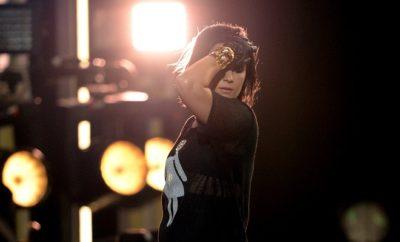 Demi Lovato steht auf bunte Hosen.