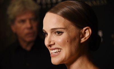 Natalie Portman weiß sich mit Accessoires gekonnt in Szene zu setzen.