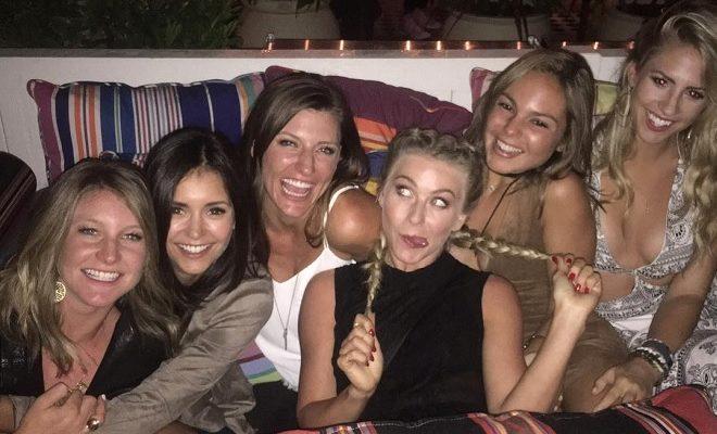 Vampire Diaries-Star Nina Dobrev: Party statt Trübsal blasen!