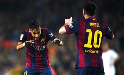 Es ist derzeit nicht einfach für die Superstars vom FC Barcelona: Während Lionel Messi kritisiert wird, sorgt Neymar mit seiner Feierlaune für Diskussionen.