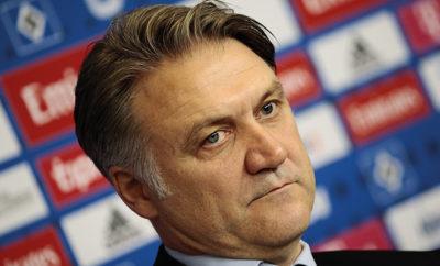 Dietmar Beiersdorfer wird nach dem Trainerwechsel beim HSV weiterhin von den Medien kritisiert und kann beim Hamburger SV scheinbar nur verlieren.