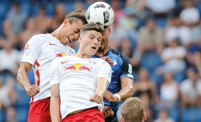 Marcel Sabitzer und Yussuf Poulsen von RB Leipzig.