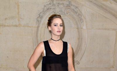 Jennifer Lawrence: Nippelblitzer im Urlaub.