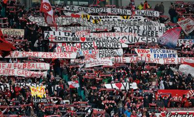 Die Anhänger von RB Leipzig zeigen ihre friedliche Fankultur.