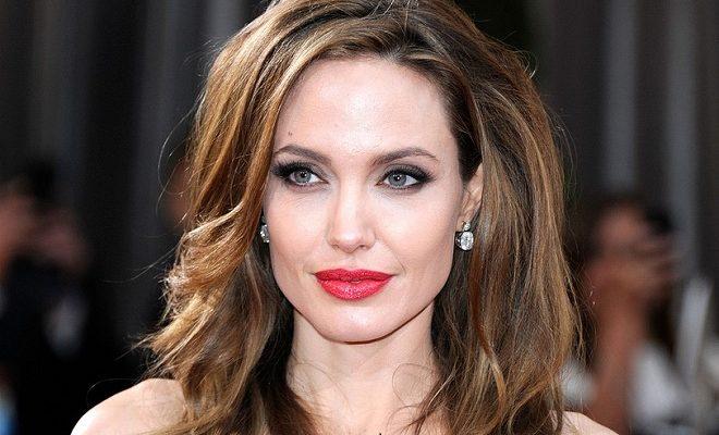 Angelina Jolie musste sich Drogen-Tests unterziehen!