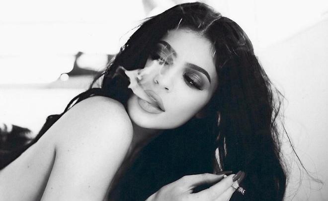 Kendall Jenner nackt, Oben ohne Bilder, Playboy Fotos,