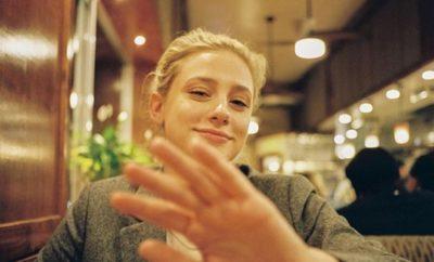 Riverdale-Star Lili Reinhart postet mutiges Akne-Bild!