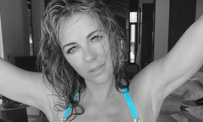 Elizabeth Hurley: Oben Ohne-Einblick enthüllt Nippelblitzer!