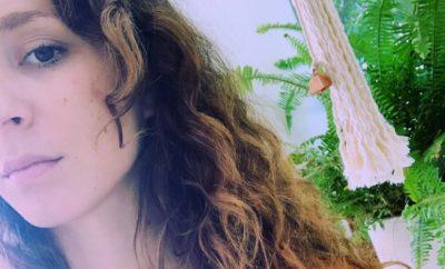 Pretty Little Liars: Troian Bellisario zeigt nackt ihren Baby-Bauch!