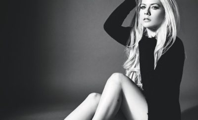 Avril Lavigne schockt mit Nackt-Cover