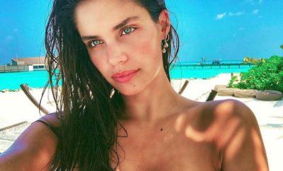 Sara Sampaio räkelt sich für Challenge nackt auf Instagram