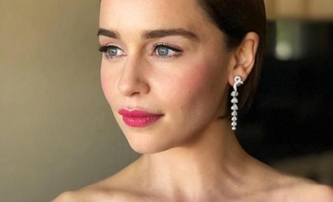 Emilia Clarke  nackt