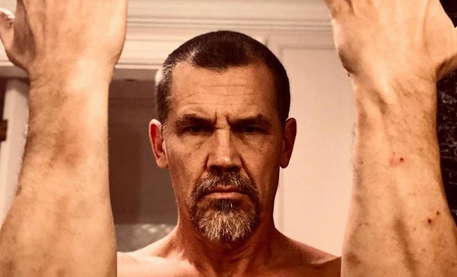 Josh Brolin zeigt nackten Hintern von Thanos.