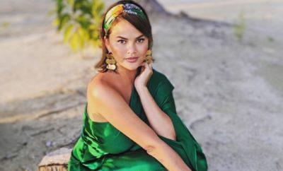 Chrissy Teigen feiert Muttertag mit Nackt-Foto