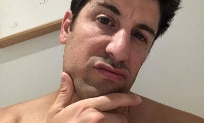 Jason Biggs posiert nackt auf Instagram.