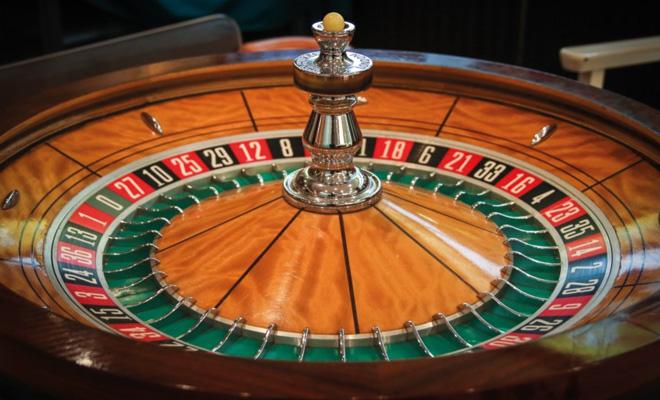 Roulette ist der Klassiker unter den Casino-Spielen. Bildquelle: @ Macau Photo Agency / Unsplash.com